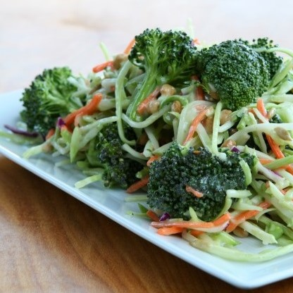 Broccoli slaw wraps (Gilda)